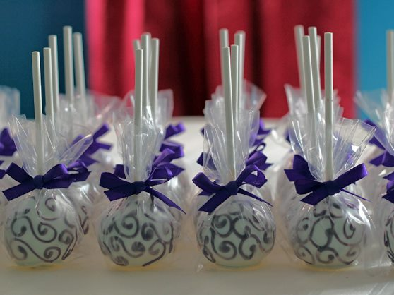 Cake Pop Wedding Favors A Sweet Way To Part Brooklyn
