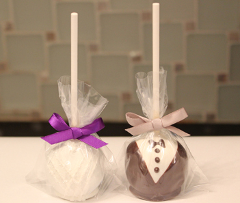 Bride and Groom Pops